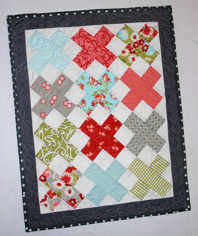 "Mini ""X"" Quilt Tutorial"
