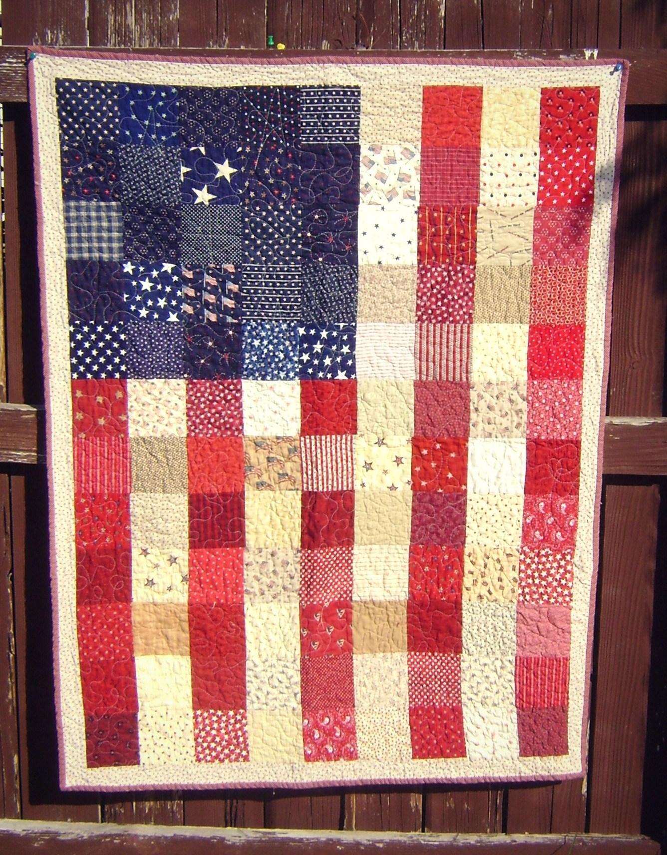http://www.u-createcrafts.com/wp-content/uploads/2018/08/American-Flag-Pixel-Quilt.jpg